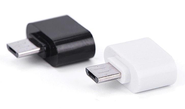 Conector-USB-OTG de color blanco y negro