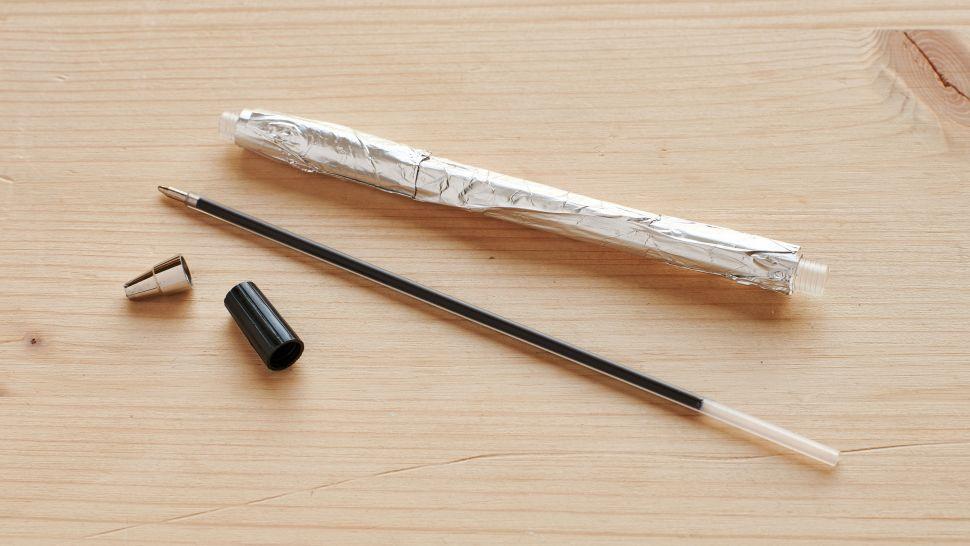 papel de aluminio en lápiz casero